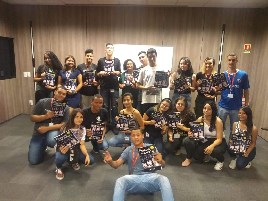 Jovens Aprendizes do Grupo Brasal aprendem sobre finanças