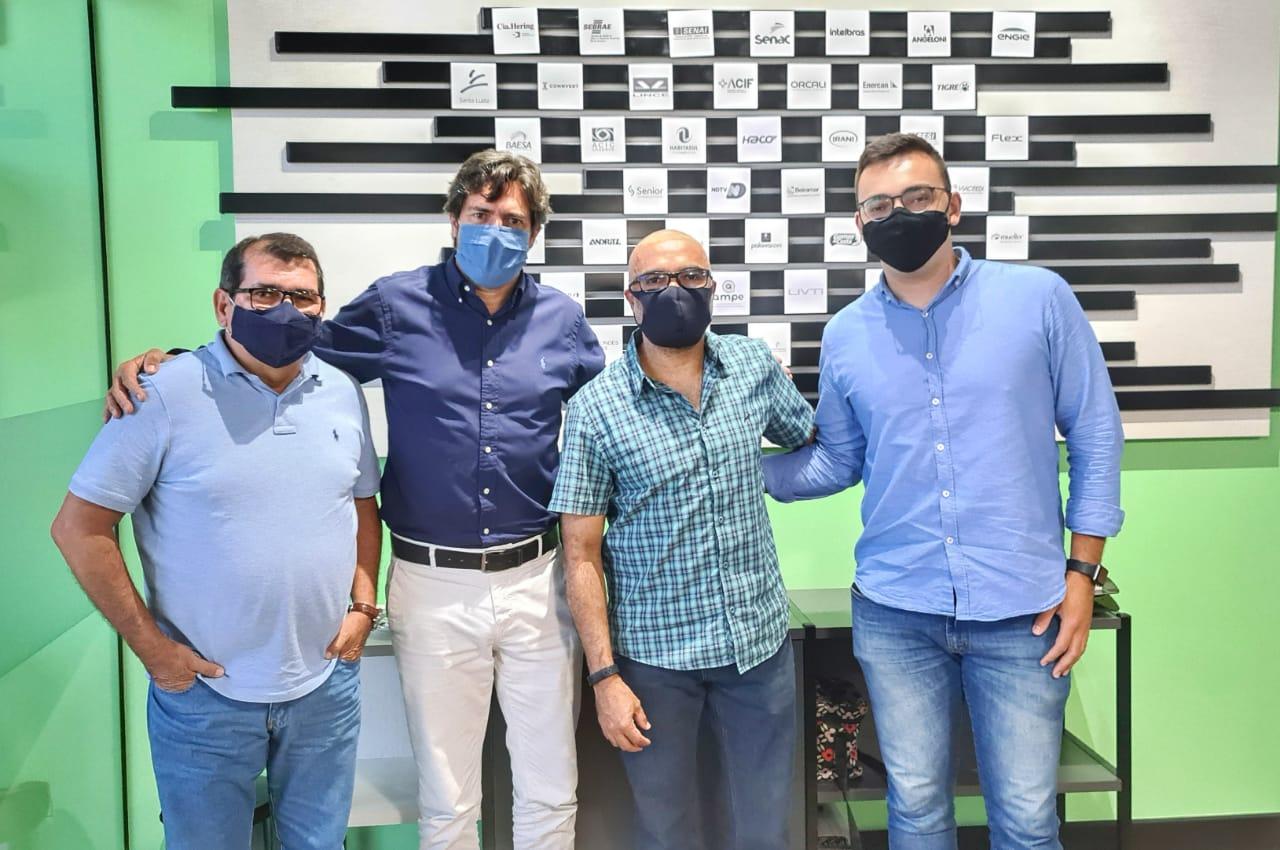 Secretaria de Inovação da UFSC visita JA Santa Catarina